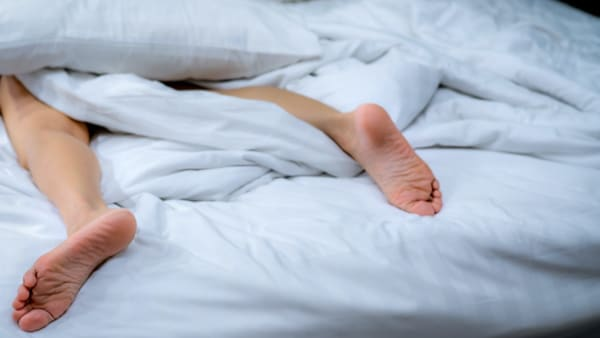 comment j ai vaincu le syndrome des jambes sans repos traitement medecin du sommeil paris specialiste sommeil paris docteur herve le bris paris