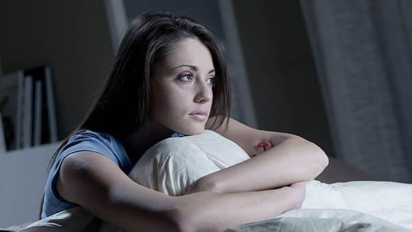 insomnies hypersomnie idiopathique troubles du rythme circadien parasomnies syndrome des jambes sans repos narcolepsie docteur herve le bris